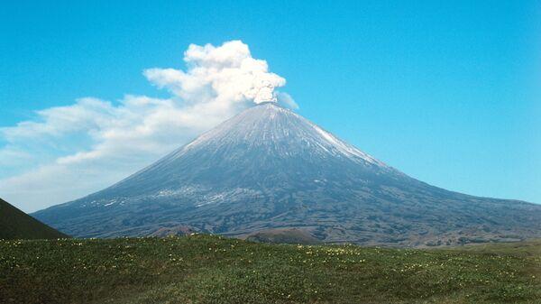 Вулкан Ключевской на Камчатке. Архивное фото