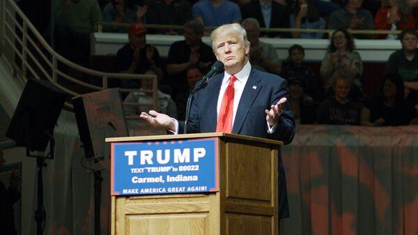 Кандидат в президенты США от Республиканской партии Дональд Трамп во время предвыборного ралли в городе Кармел. 2 мая 2016