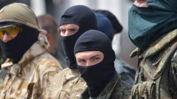 Украинские военные в Киеве