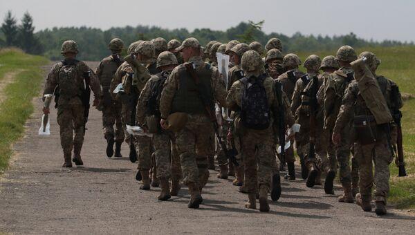 Военнослужащие вооруженных сил Украины. Архивное фото