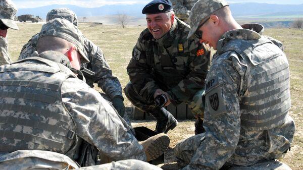 Военнослужащие Северной Македонии и США во время совместных учений на военном полигоне Криволак. Архивное фото