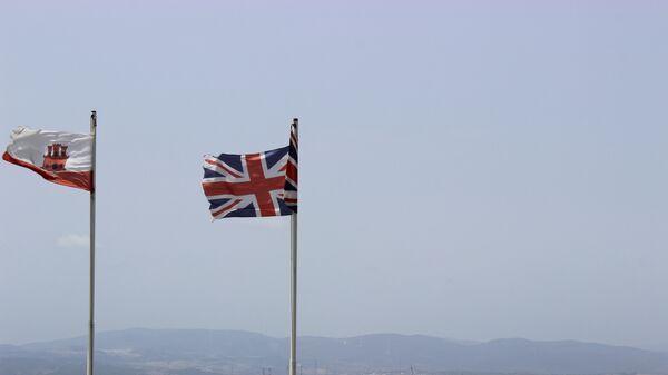 Флаг Гибралтара и Великобритании