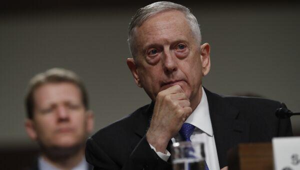 Министр обороны США Джеймс Мэттис на слушаниях в комитете по вооруженным силам палаты представителей конгресса США