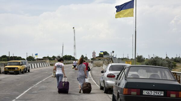 Обвиняемого в нападении на посольство России избили на границе с Крымом