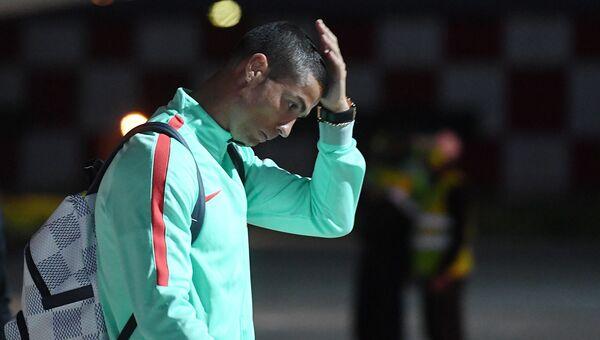 Игрок сборной Португалии по футболу Криштиану Роналду в международном аэропорту Казань. 14 июня 2017