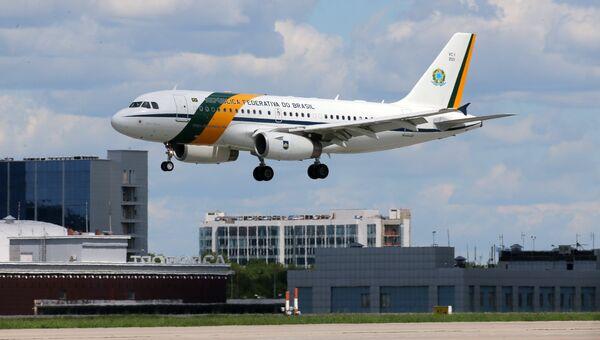 Самолет президента Федеративной Республики Бразилии Мишела Темера в аэропорту Внуково-2. 20 июня 2017