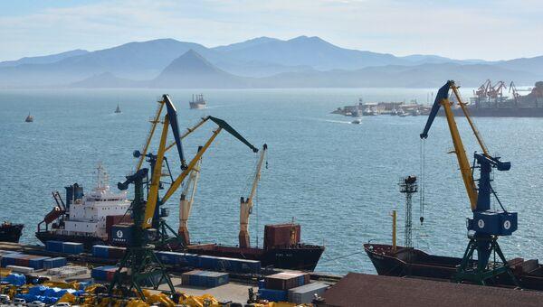 Морской торговый порт Находка. Архивное фото