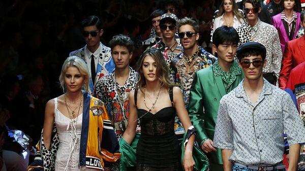 Показ коллекции Dolce & Gabbana. Архивное фото