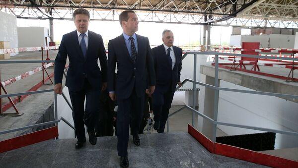 Дмитрий Медведев во время осмотра нового терминала международного аэропорта Шереметьево. 23 июня 2017