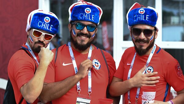Болельщики сборной Чили перед началом матча Кубка конфедераций-2017 по футболу между сборными Чили и Австралии. 25 июня 2017