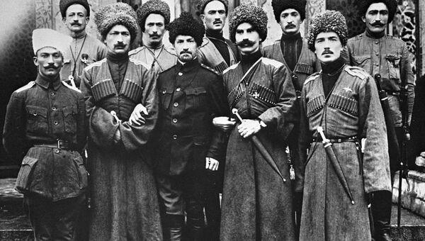 Офицеры Дикой дивизии генерала Корнилов