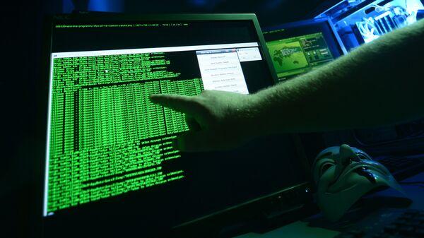 Программист во время работы за компьютером