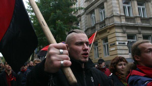 Украинские националисты прошли маршем по центру Львова. Архивное фото