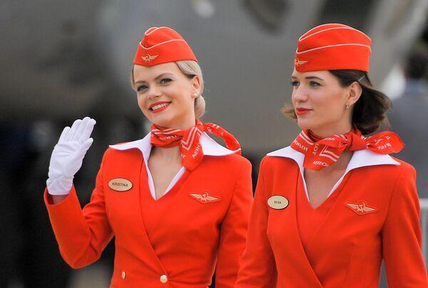 Стюардессы авиакомпании Аэрофлот на открытии Международного авиационно-космического салона МАКС-2017