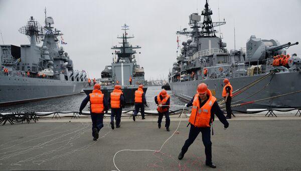 Швартовка корвета проекта 20380 Совершенный в порту Владивостока