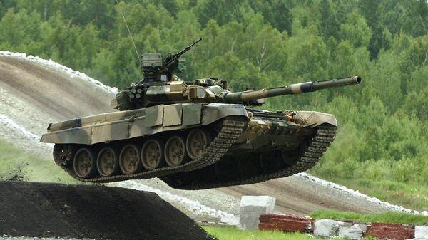 Российский танк Т-90С. Архивное фото