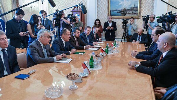 Министр иностранных дел РФ Сергей Лавров и вице-президент Ирака Нури аль-Малики во время встречи. 24 июля 2017