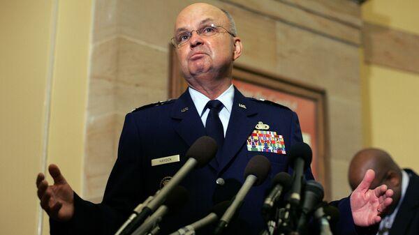 Экс-директор ЦРУ назвал выход США из Договора по открытому небу безумием
