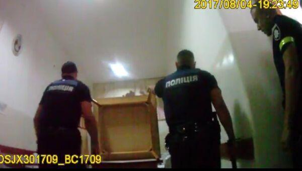 Во Львове полиция штурмом освободила заложников в психбольницею Скриншот с видео