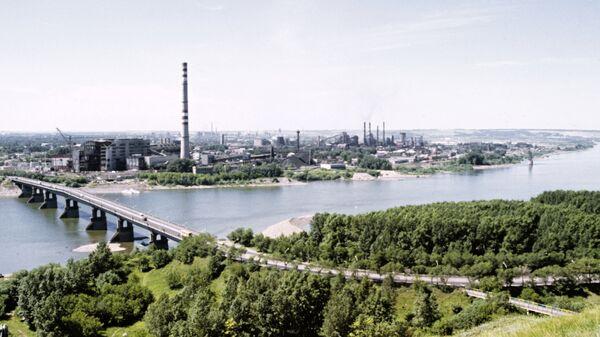 Берег реки Томь в черте грода Кемерово