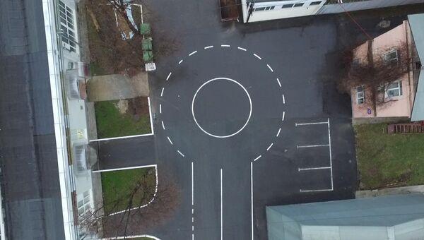 Открытый полигон для тестирования беспилотных автомобилей в технопарке Калибр на улице Годовикова в Москве