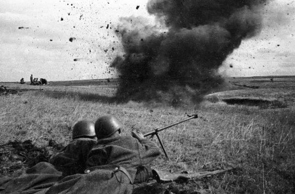 В перестроечные времена принято было возмущаться: что же мы за страна такая, что не знаем точного числа своих потерь в Великой Отечественной войне