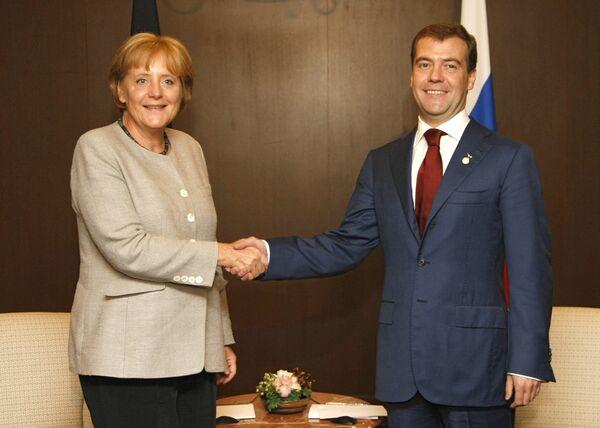 Канцлер Германии Ангела Меркель и президент России Дмитрий Медведев. Архив