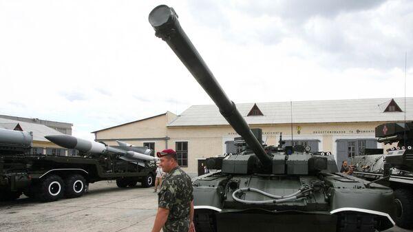 Танк Т-84У Оплот. Архивное фото