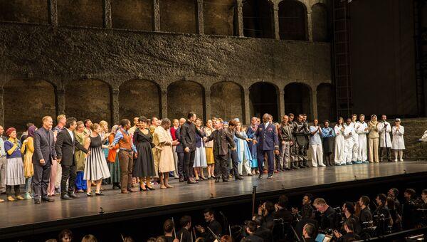 Поклоны после исполнения оперы Милосердие Тита в Зальцбурге