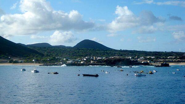 Вид на административный центр острова Вознесения Джорджтаун. Архивное фото
