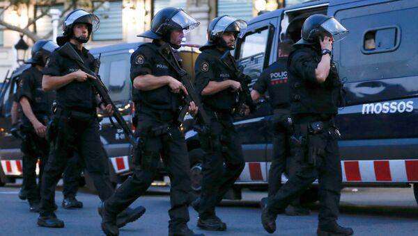 Испанские полицейские. Архивное фото