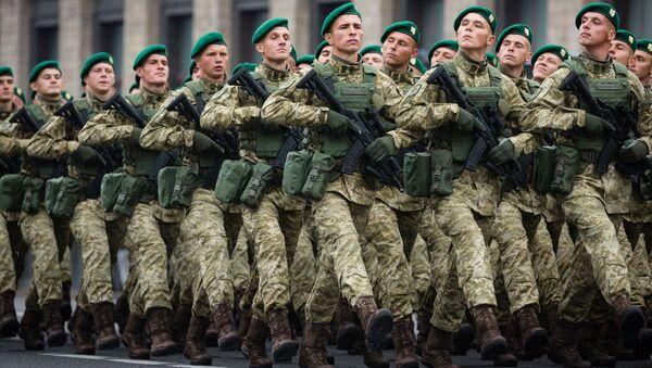 Военнослужащие ВСУ в Киеве. Архивное фото