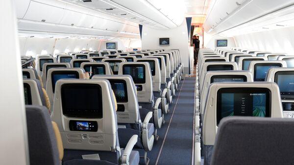 Салон пассажирского самолета