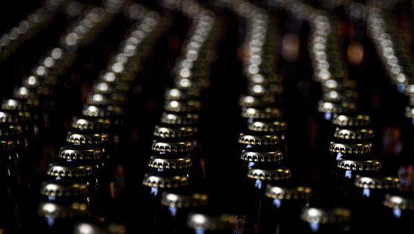 Цех розлива на пивоваренном заводе. Архивное фото
