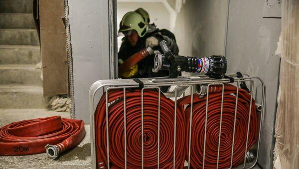 Опытное пожарно-тактическое учение МЧС. Архивное фото