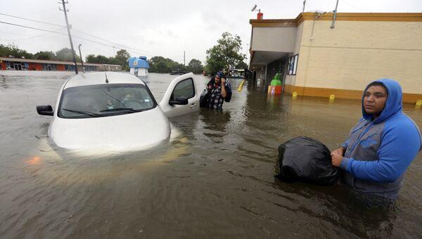 Наводнение после урагана Харви в Хьюстоне, штат Техас. 29 августа 2017