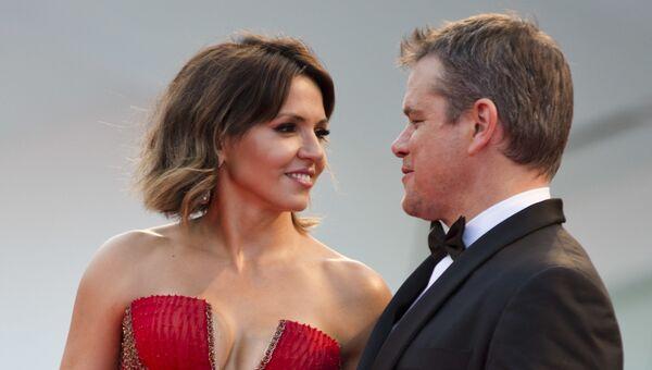 Актер Мэтт Деймон и его жена Лусиана Баррозу на открытии Венецианского кинофестиваля