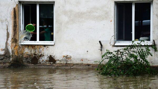 Подтопленный дом в Уссурийске. Архивное фото