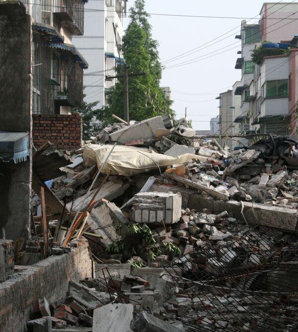 Новое землетрясение привело к разрушениям на юго-западе Китая