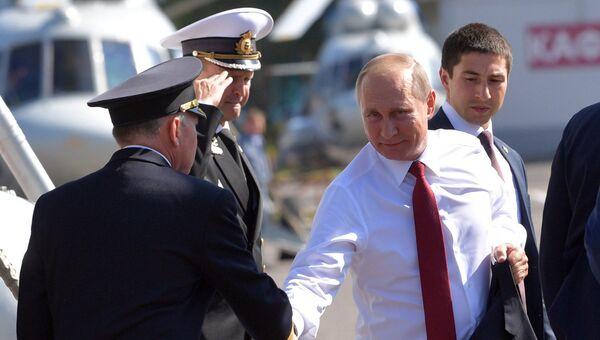 Президент РФ Владимир Путин в аэропорту Туношна Ярославля. 1 сентября 2017