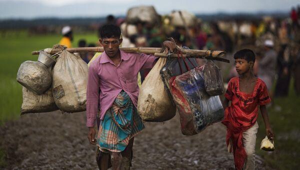 Члены этнических меньшинств в Мьянме, проживающие в Ричьяне, на границе с Бангладеш. Архивное фото