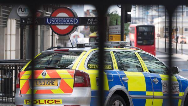 Полицейский кордон на северной стороне Лондонского моста