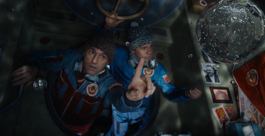 Кадр из фильма Салют-7