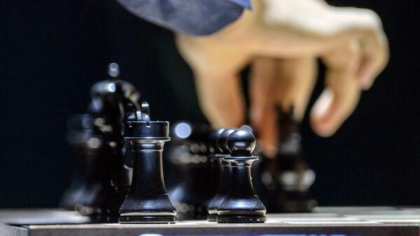 Шахматные фигуры на доске
