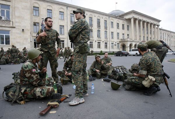Грузинские солдаты в Гори