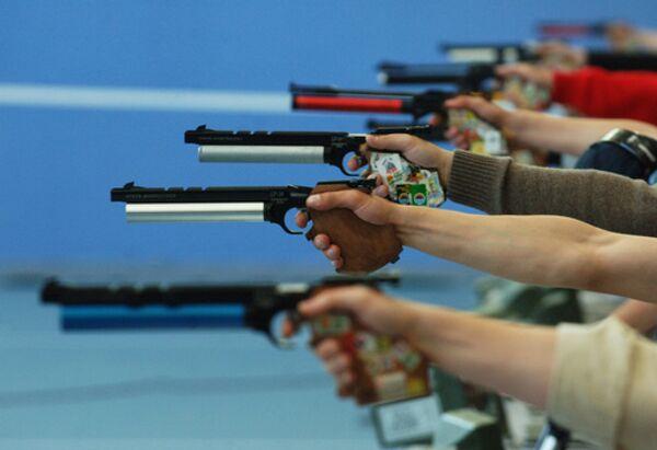 Стрельба из мелкокалиберного пистолета
