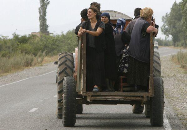 Жители деревень в окрестностях Цхинвали покидают свои дома