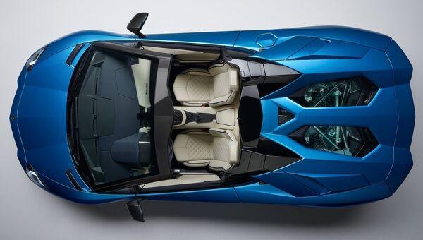 Автомобиль Lamborghini Aventador S Roadster. Архивное фото