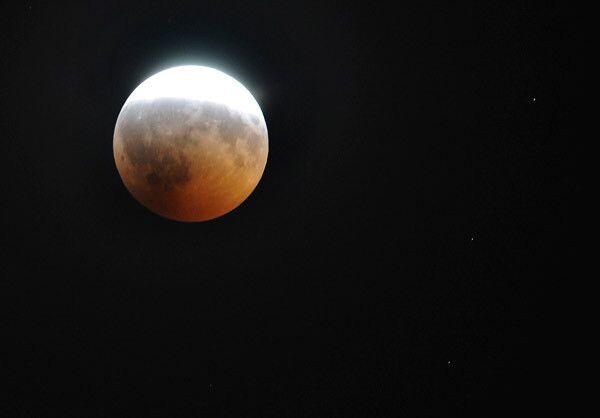 Как и полвека назад Луна не дает покоя ведущим мировым космическим агентствам