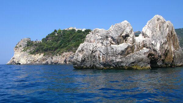 Греческая береговая охрана выпроводила турецких журналистов с острова